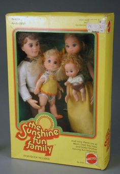 retro toy Find Out What Mommy Ramblings thinks of the controversy surrounding the anatomically correct boy doll being sold at Toys R Us! 1970s Childhood, My Childhood Memories, Sweet Memories, Vintage Barbie, Vintage Dolls, Vintage Toys 1970s, New Baby Boys, Retro Toys, Boy Doll