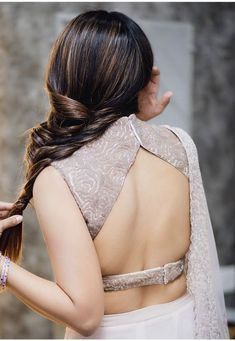 21 Latest Blouse Designs Pattern Indian Wedding Blouse Back Neck Designs, Designer Blouse Patterns, Fancy Blouse Designs, Bridal Blouse Designs, Saree Blouse Designs, Sari Blouse, Latest Blouse Designs, Saree Dress, Blouse Outfit