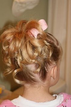 She Does Hair - GREAT site on how to do little girls hair from simple to fancy! Might need this for later!