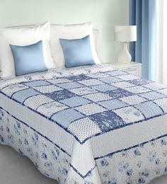 patchwork-modry-prehoz-na-postel-s-kockovanym-vzorom- Bedding Sets, Comforters, Projects To Try, Blanket, Home, Scrappy Quilts, Colors, Creature Comforts, Quilts