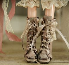 Cool, love these blythe shoes