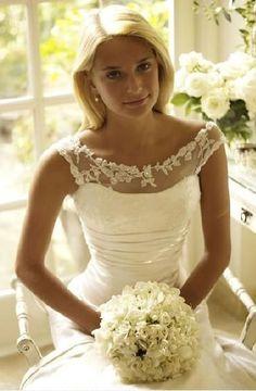 Neckline lace wedding dress