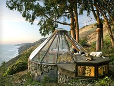What a view in the this tiny home! I love the suspended bed, see the next picture.