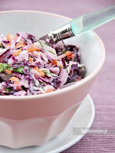 Coleslaw z kolorowej kapusty Coleslaw, Healthy Salads, Cabbage, Food And Drink, Vegetables, Kitchen, Recipes, Parks, Foods