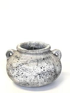 Betonová váza buclatá