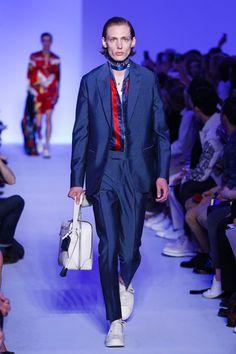 Louis Vuitton Menswear Spring Summer 2016 Paris - NOWFASHION
