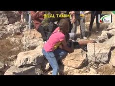 sraeli-soldier-assaulting Palestinian child