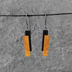 élieBois / Boucles d'oreille en bois: buis et ébène. Apprêts en argent. Wooden earrings: boxwood and ebony. Silver finishes. Creations, Drop Earrings, Jewelry, Accessories, Bangle Bracelets, Wood, Shape Games, Wooden Earrings, Wooden Jewelry
