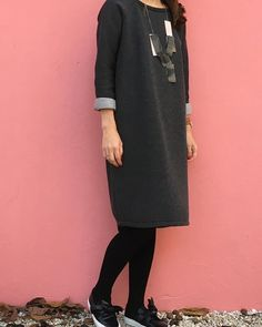 and comfy cocoon dress in scuba fabric for mommy (adapted the linden sweatshirt) #lindensweatshirt #thefabricsales #marcphilippecoudeyre #sweaterdress #designerfabricsdesignerfabrics,sweaterdress,thefabricsales,marcphilippecoudeyre,lindensweatshirtapieceofonesown