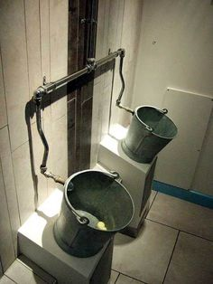 funny-urinals-weird-9_600[1].jpg
