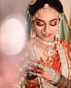 Hochzeit South Indian Bridal Makeup: Brides Who Totally Rocked This Look Alpi – Wandbehang South Indian Bridal Jewellery, Indian Bridal Sarees, Indian Bridal Fashion, Indian Bridal Makeup, Bridal Jewelry, Wedding Makeup, Indian Jewelry, South Indian Makeup, Bridal Accessories