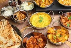 5 Indian dinner options that help in weight-loss Best Vegetarian Restaurants, Tandoori, Vegan Chef, Vegetable Curry, Vegetable Recipes, Healthy Snacks For Diabetics, Healthy Tips, Healthy Food, Dinner Options