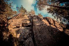 Raatalasta löytyy korkea kallio nimeltään Haukkavuori.  http://www.naejakoe.fi/luontojaulkoilu/haukkavuori/