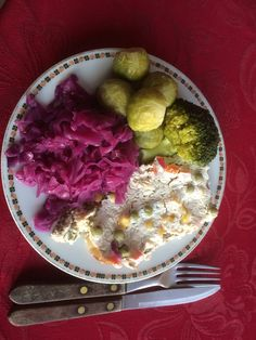 Guacamole, Cabbage, Mexican, Vegetables, Ethnic Recipes, Food, Veggies, Vegetable Recipes, Meals