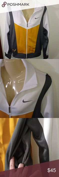 VINTAGE NIKE JACKET Design as Shown X2 side pockets  Will fit up to Women's Large Ask for any measurements Dr Fit Style Nike Jackets & Coats