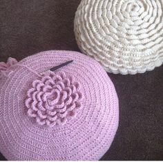 #jipbyjan Crochet Cushion Cover, Crochet Pillow Pattern, Crochet Bedspread, Crochet Cushions, Crochet Patterns, Crochet Cord, Crochet Stitches, Crochet Flower Tutorial, Crochet Flowers