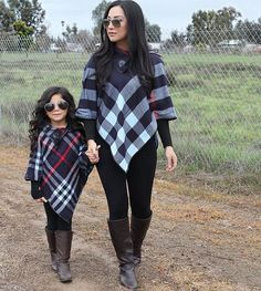 Mom Daughter Matching Outfits, Mommy And Me Outfits, Little Girl Outfits, Family Outfits, Kids Outfits, Baby Girl Fashion, Toddler Fashion, Kids Fashion, Moda Kids