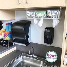The Best Teacher Hacks of You're Welcome! is part of Teacher Cabinet Organization - Are you a teacher Then you're gonna love this list of classroom hacks that will not only save you time, money, and your sanity! Classroom Hacks, 4th Grade Classroom, Classroom Setup, Classroom Design, School Classroom, Future Classroom, Classroom Money, Daycare Setup, Classroom Supplies