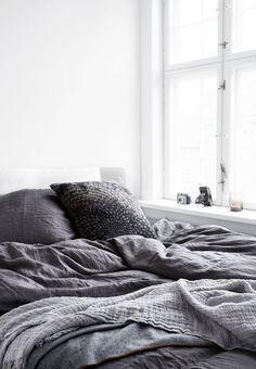 Vindueskarmen som natbord