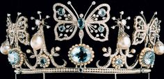 Tiara with diamonds, pearls and precious gemstones, designed by Rui Paes and Graham Rust and made by Andrea Paes. Photo by Moranga, via Flickr