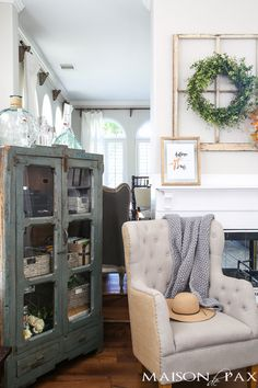Looking for easy fall decorating ideas? Check out this autumn home tour full of…