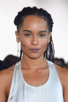 Would you add sparkle to your skin like @ZoeKravitz wore to #NYFW? http://vogue.uk/O5o65Z