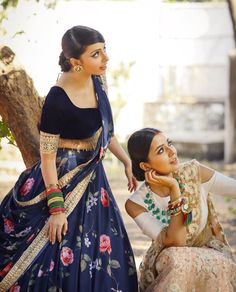 That choli though pininterest @ nilanjana mishra Indian Bridal Outfits, Indian Designer Outfits, Designer Dresses, Lehnga Dress, Indian Gowns Dresses, Indian Attire, Indian Wear, Lehenga Designs, Stylish Girl Images