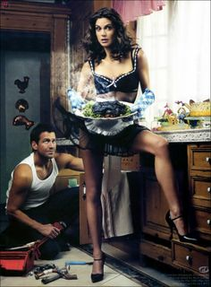 Desperate Housewives - Teri Hatcher and James Denton by Mark Seliger - one of my favourite photographs about them. Desperate Housewives, Terri Hatcher, Superman, James Denton, Mark Seliger, Kyle Maclachlan, Bond, Pin Up, Domestic Goddess
