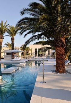 la boheme - modern architecture - christophe pillet - hotel sezz - saint tropez - france - exterior view - swimming pool