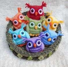 Here's a set of wide-eyed Rainbow Owls and a mossy nest for them to snuggle up in. Of course you don't have to stick with the rainbow theme. These little guys would look good in any color combinati...