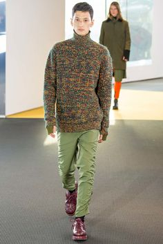 See the complete Kenzo Fall 2015 Menswear collection.