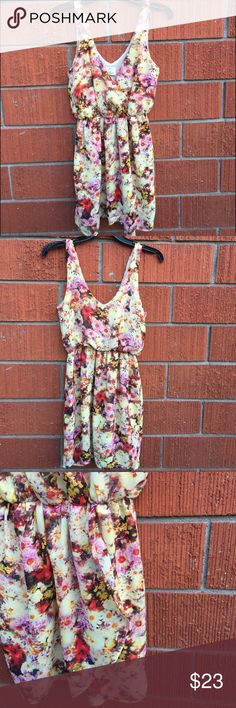 Floral Pins & Needles dress. Small tare last pic Fab condition! Small tare on hip Urban Outfitters Dresses
