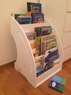 libreria per bambini in stile montessoriano -- Metodo Montessori per l'apprendimento dei bambini #montessori #montessoriano #mobilibambini