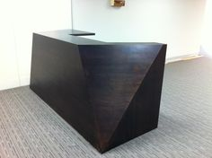 Angular reception desk