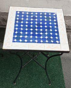 Mosaikkbord bl?-hvit. Kan sendes per post by: Egenprodusert - Lille