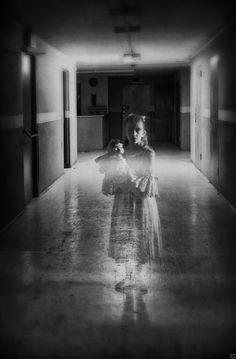 mad-girl-asylum:  Source.