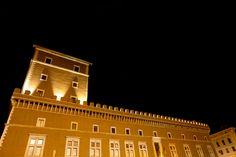 Visitar el Palacio Venecia en Roma - http://www.absolutroma.com/visitar-el-palacio-venecia-en-roma/