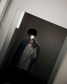 Korean Boys Ulzzang, Ulzzang Boy, Photography Poses For Men, Dark Photography, Cute White Boys, Cute Boys, Anime Boy With Headphones, Korean Best Friends, Swag Boys