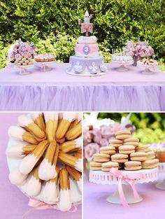 Enchanted Disney Princess Birthday Party {Pink & Purple} // Hostess with the Mostess® Purple Princess Party, Disney Princess Birthday Party, Purple Party, Pink Purple, Tangled Birthday, Purple Birthday, Girl Birthday, Fourth Birthday, Birthday Table