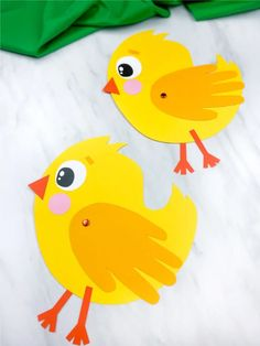 If you're looking for a a fun handprint craft for kids to make, you're going to love this handprint chick card. It's a fun spring. Animal Crafts For Kids, Crafts For Kids To Make, Easter Crafts For Kids, Fox Crafts, Bunny Crafts, Kindergarten Crafts, Preschool Crafts, Spring Toddler Crafts, Easy Paper Crafts