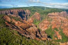 Get swept away by Kauai's stunning scenery, this picturesque adventure is just for you. The Kauai Waimea Canyon and Fern Grotto One-Day Trip Tour departing from Honolulu, Oahu takes you to some of the Garden… Kauai Hawaii, Oahu, Kauai Tours, Fern Grotto, Hawaiian Legends, Pacific Cruise, Kauai Island, Visiting The Grand Canyon, Waimea Canyon