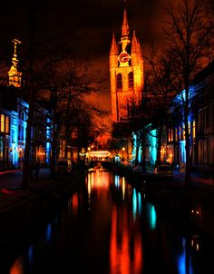 "Delft - The ""Oude Kerk"" at night"