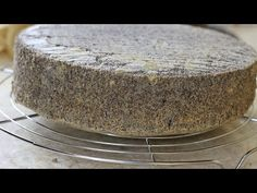 Let's learn how to make classic sponge cake. This light and airy sponge cake is a base to many delicious cakes! With just 3 ingredients, this cake is quick and easy to make, and very versatile to flavor and decorate. Sponge Cake, Food Cakes, 3 Ingredients, Yummy Cakes, Cake Recipes, Pudding, Baking, Easy, Poppy