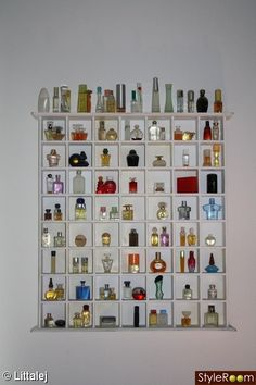 Oooh! I like how it displays perfume bottles and yet they are still easily accessible to put on.
