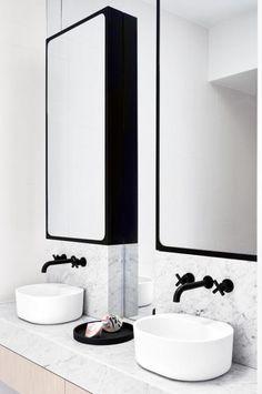 black-white-marble-bathroom