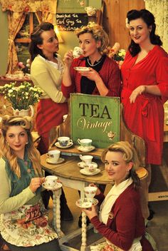 Tea Vintage: The Travelling Tea Room. A tea party that comes to you! / http://www.teavintage.co.uk