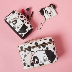 Dog gone, Primark has done it again! The continuing collaborations between Disney and Primark really just keep getting better and better. Disney Handbags, Disney Purse, Purses And Handbags, Disney Makeup, Disney Inspired Fashion, Cute Bags, Disney And Dreamworks, Disney Outfits, Disney Style