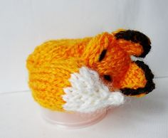 A little sleeping fox 'hat' made for the Innocent Smoothies Knitting campaign. Cute Crochet, Crochet Toys, Knit Crochet, Knitting Patterns Free, Knit Patterns, Knitting Ideas, Fox Hat, Big Knits, Fox Pattern