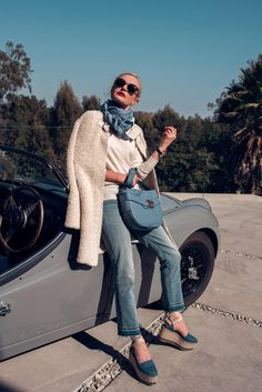 Tory Burch didn't choose two girls at random to rep her new Gemini Link bag (which, by the way, is on the shoulder of almost every blogger). Instead, she