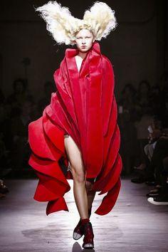 COMME DES GARCONS - Spring Summer 2015 - Paris Fashion Week